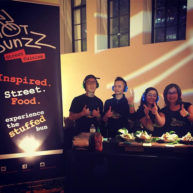 Tonight #FNLROM Come party with us in the #SilentDisco 2nd floor Bronfman Hall with @silentbeatsevents ! . #streetstyle #streetfood #Oink4Sum #HotMoroccanChicks #CheezzySmashedRoots #torontofood #foodgasm #foodporn #bunzz #bunzzlife #wethebunzz