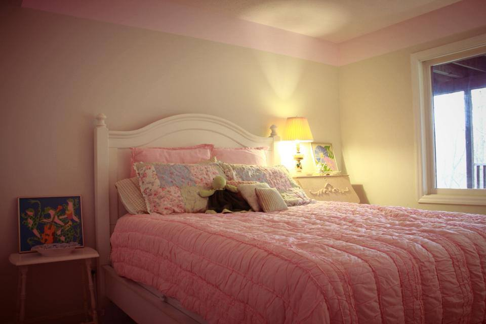 Bedroom 24.jpg