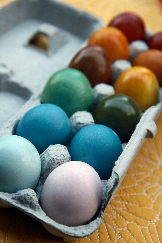 Natural Dye Eggs from The Kitchn