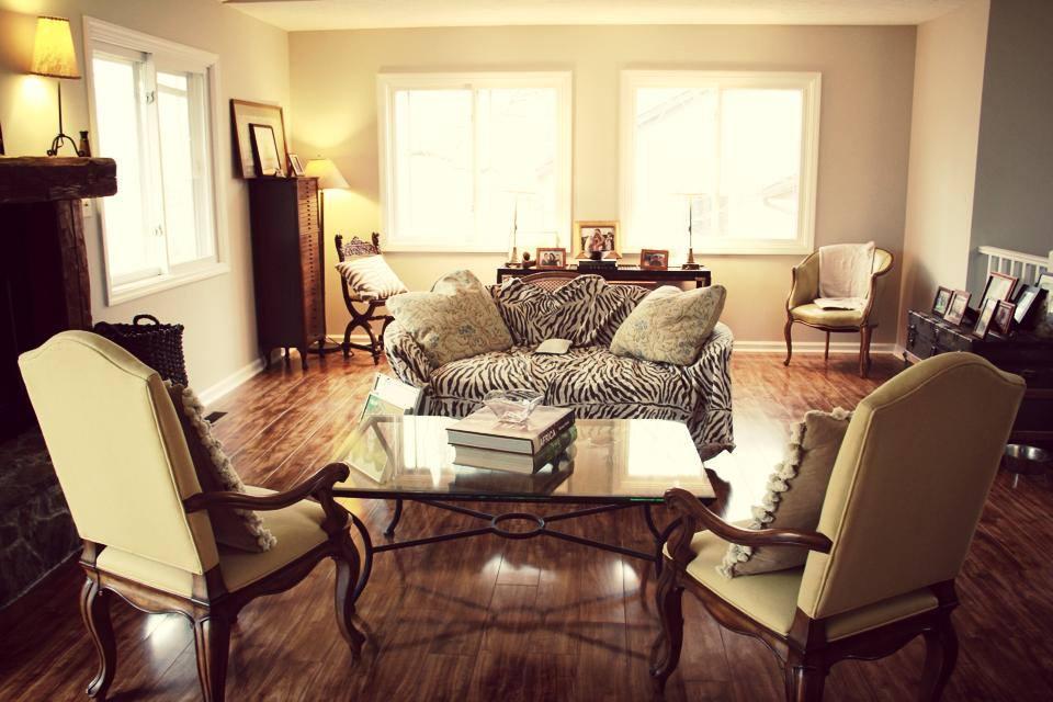 Living Room 13.jpg