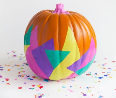 Does this pumpkin look like it belongs in an 80s workout video or what?! I love it!
