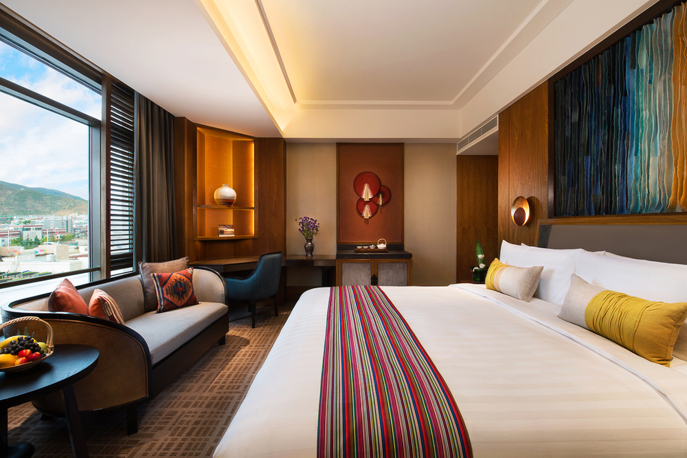 20150718_Shangri-La-Diqing_King-Room-Brighter.jpg