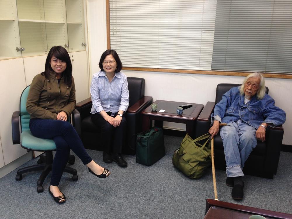 Me,Tsai Ing-wen and Su Beng.