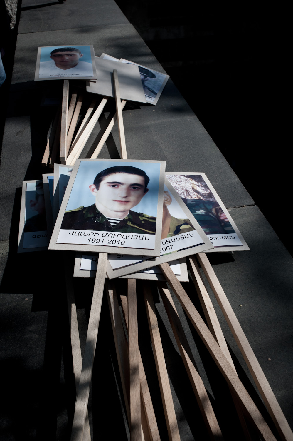 Human rights organizations estimate the number of noncombat deaths since Armenia's armed forced were established to be between 1500 and 3000. (Source:  Helsinki Citizens' Assembly )