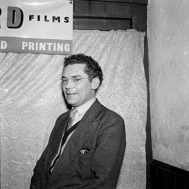 The man himself #dennisdinneen #dinneenarchive #photooftheday #photography #ireland #cork #pub #bar #portraitphotography #portrait #blackandwhite #blackandwhitephotography #filmphotography #mediumformat #1950s #1960s #1970s