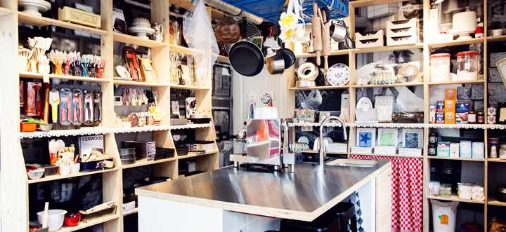 Saakje Visserverzorgt de bekende zoete tafels Trouwlala, bakt de bestetaartenen kan je helpen metleukste bedankjes en andere items voor jullie bruiloft - www.saakjebakmeisje.nl