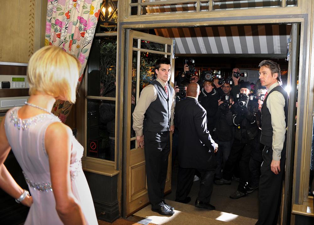 Paris Hilton_paparazzi.JPG
