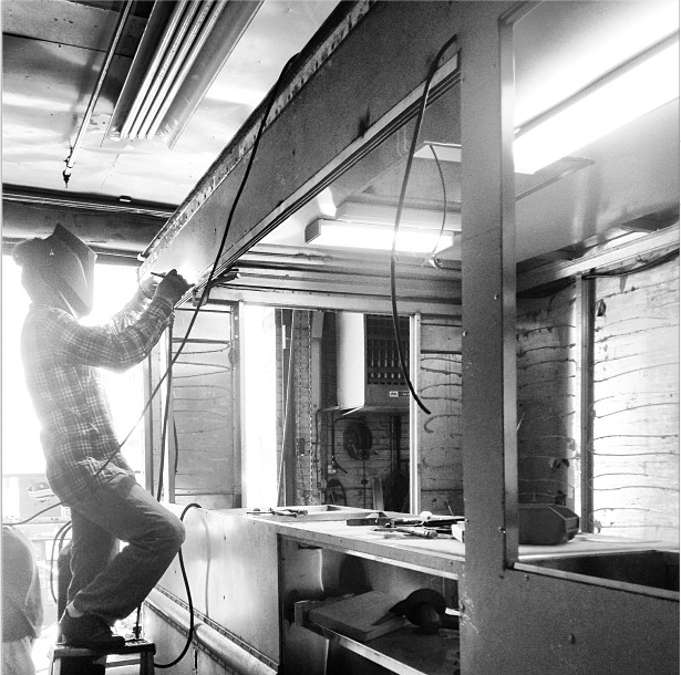 @ShanghaiMKS works on Snowday in the shop - @SituStudio captures the moment