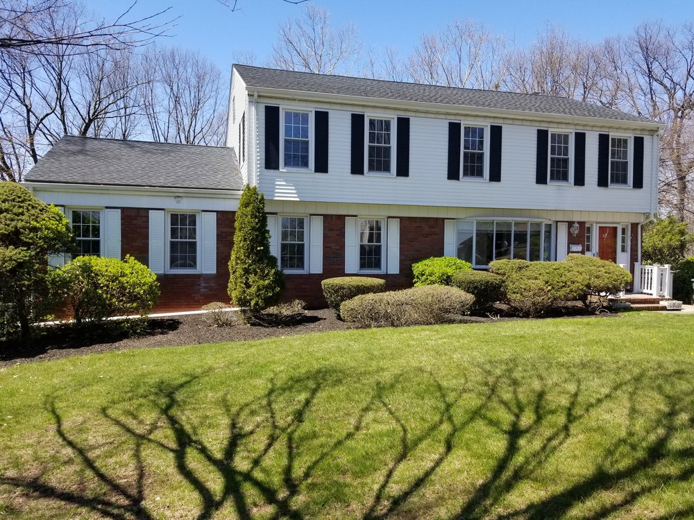 Looking to sell your home? We can help! Just like we did with this Paramus home which was under contract within 2 days!