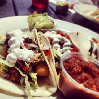 crew_bar_chicago_taco_tuesday_food.jpeg