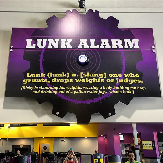 After about 35 hours of traveling this week... Mama needed to blast these tits and tri's. Didn't mean to set off this alarm at @planetfitness but 🤷🏽‍♀️ I like a slinky tankini...