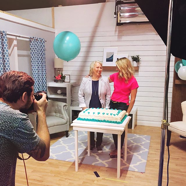Some days you write emails, other days you get to shape @christybwright's earrings into a 1. Had such a fun day at work at this photo shoot. 💗🍰🎈