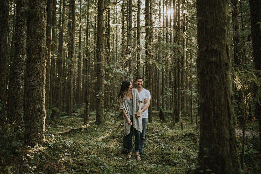Danielle-Kevin-Engagement-Danaea-Li-Photography-Forest-0044.jpg