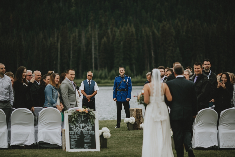 Danaea-Li-Photography-manning-park-wedding_0016.jpg