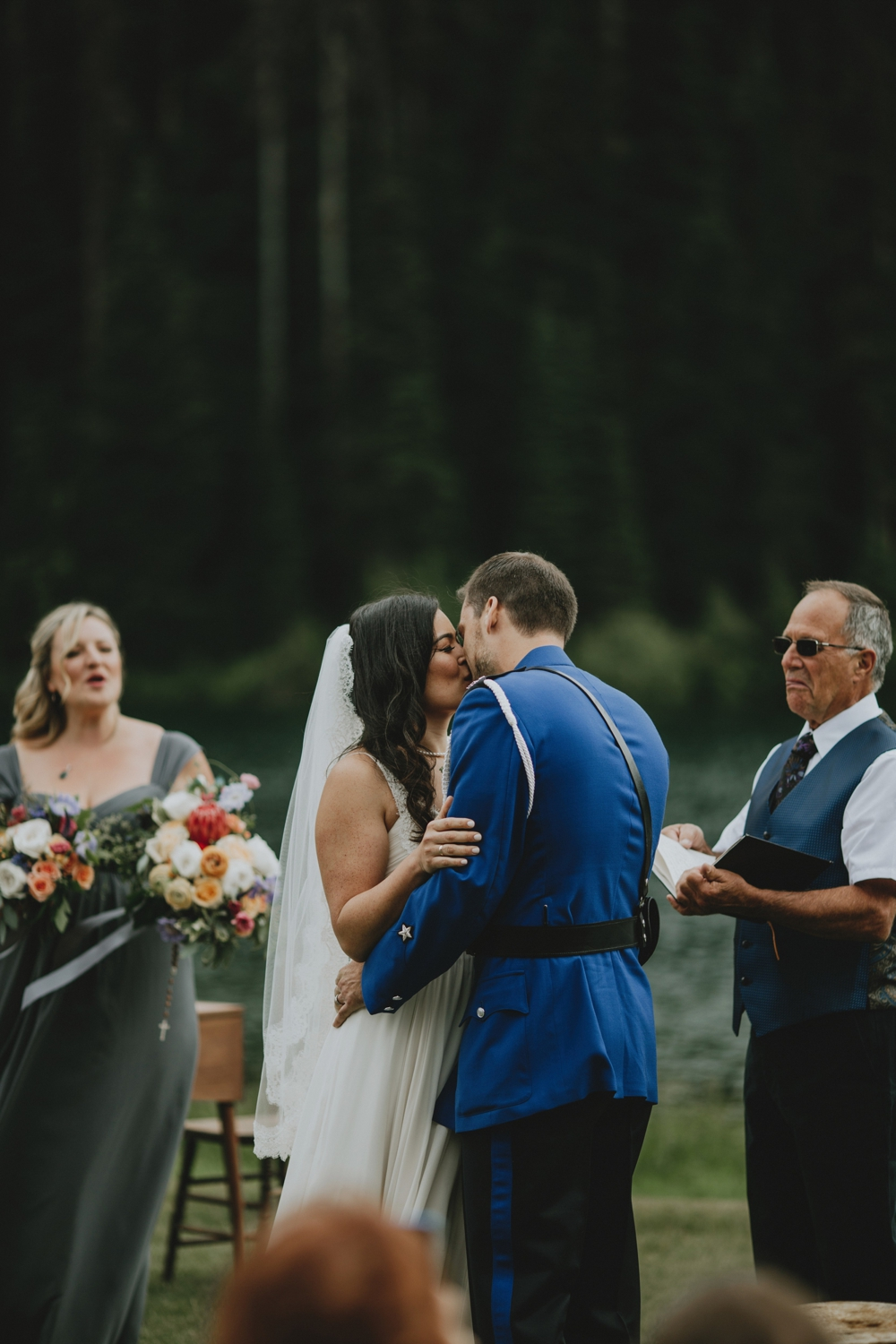 Danaea-Li-Photography-manning-park-wedding_0022.jpg