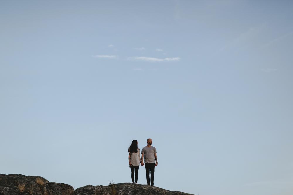Danaea-Li-Photography-whytecliff-park-engagement_0023.jpg
