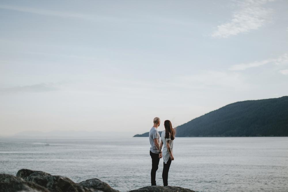 Danaea-Li-Photography-whytecliff-park-engagement_0024.jpg
