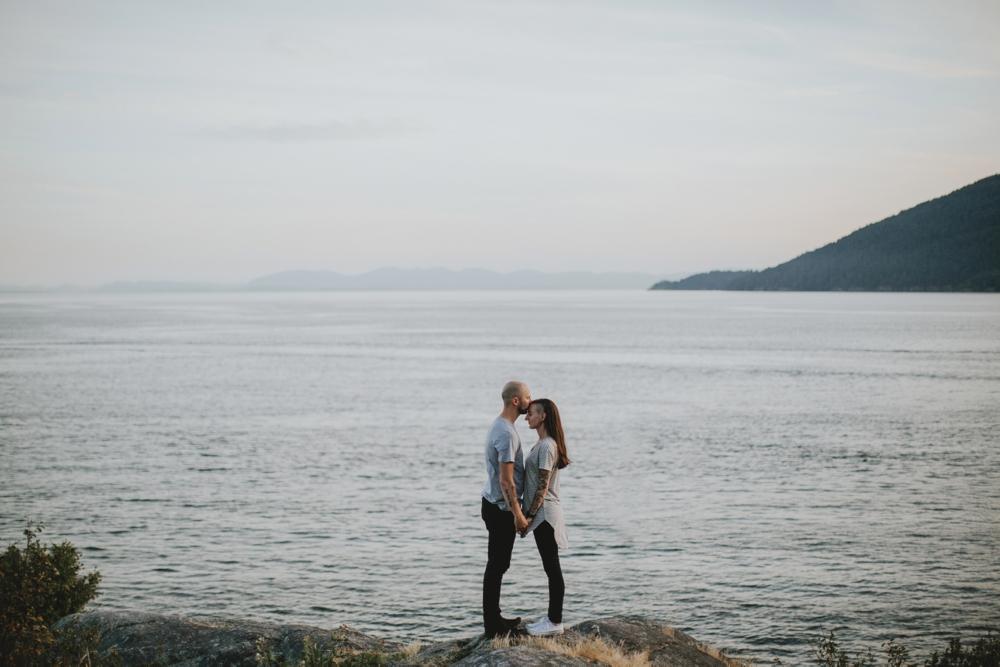 Danaea-Li-Photography-whytecliff-park-engagement_0036.jpg