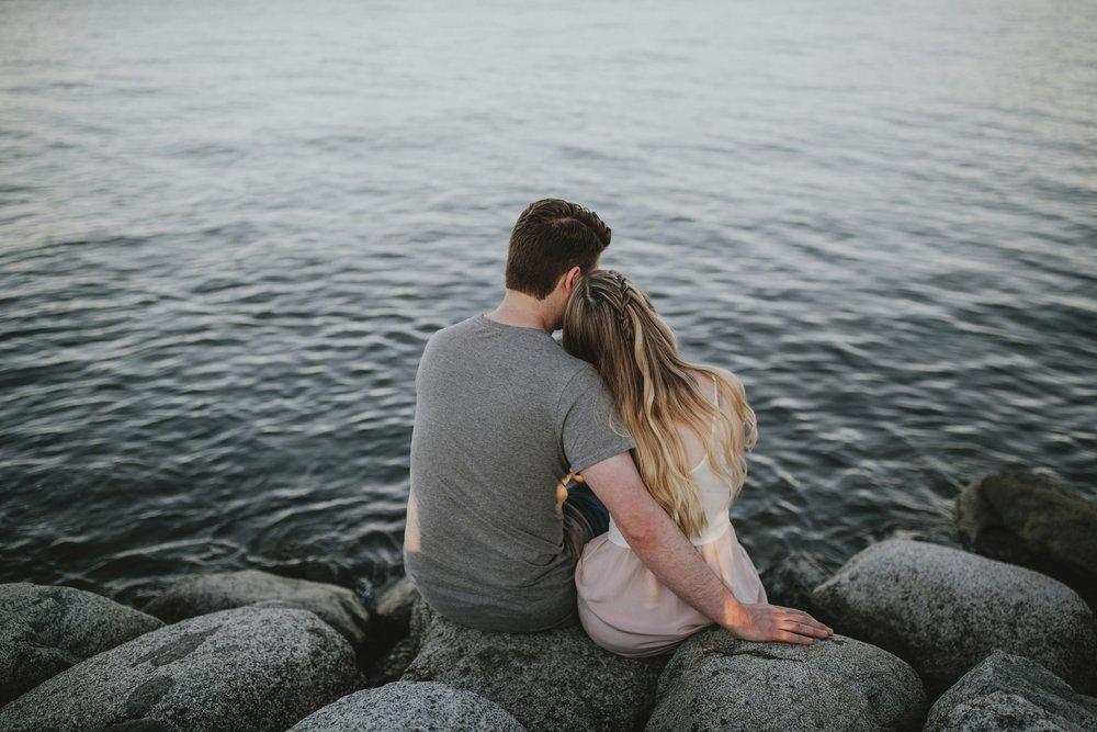 danaea_li_photography_alexandra-evan-jerhico-beach-engagement_0022.jpg
