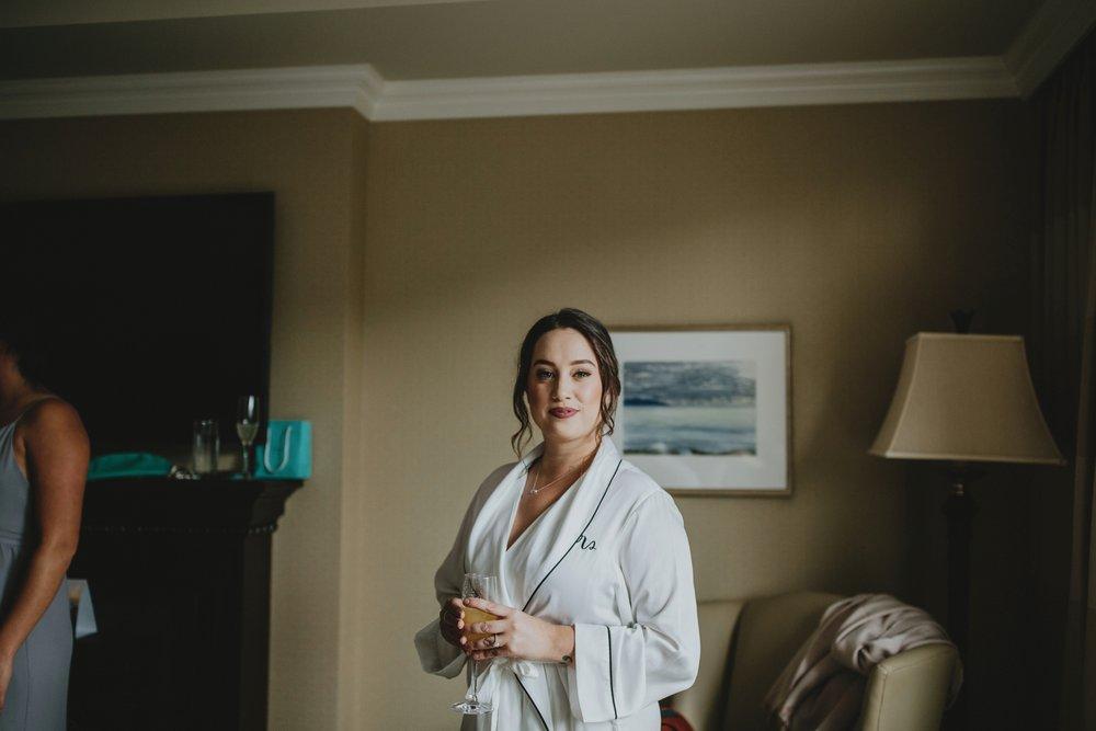 danaea_li_photography_Brittany-Ryan-Sea-Cider-Wedding_0005.jpg