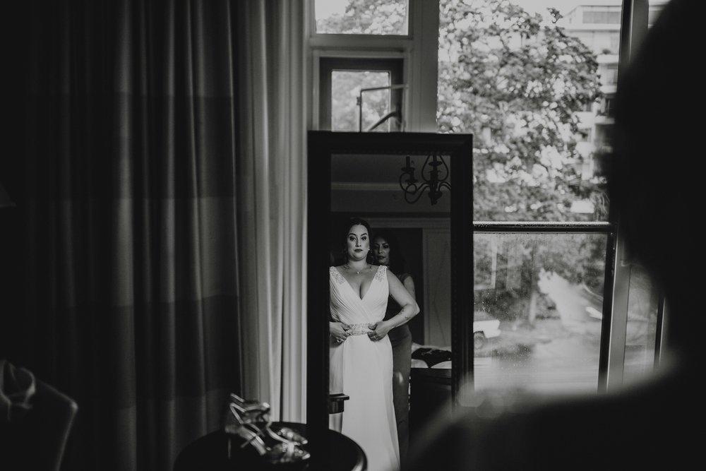 danaea_li_photography_Brittany-Ryan-Sea-Cider-Wedding_0008.jpg