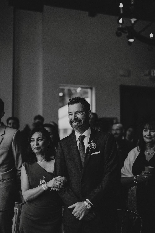 danaea_li_photography_Brittany-Ryan-Sea-Cider-Wedding_0041.jpg