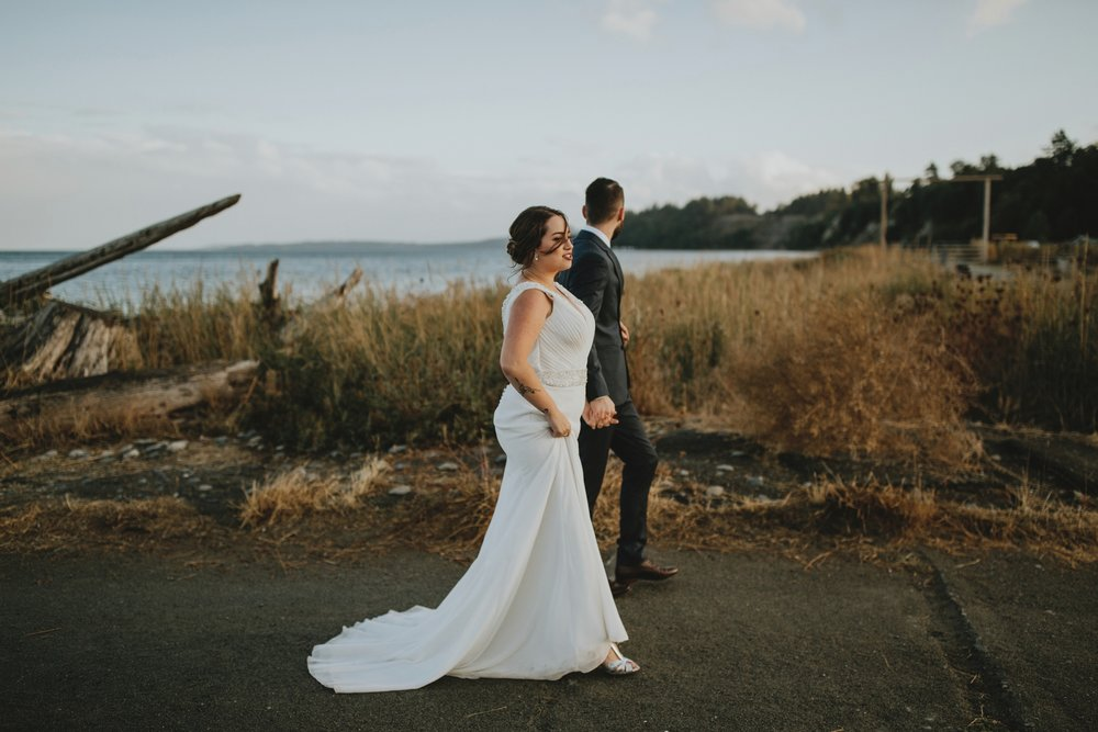danaea_li_photography_Brittany-Ryan-Sea-Cider-Wedding_0067.jpg