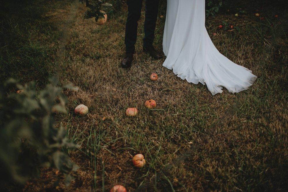 danaea_li_photography_Brittany-Ryan-Sea-Cider-Wedding_0073.jpg