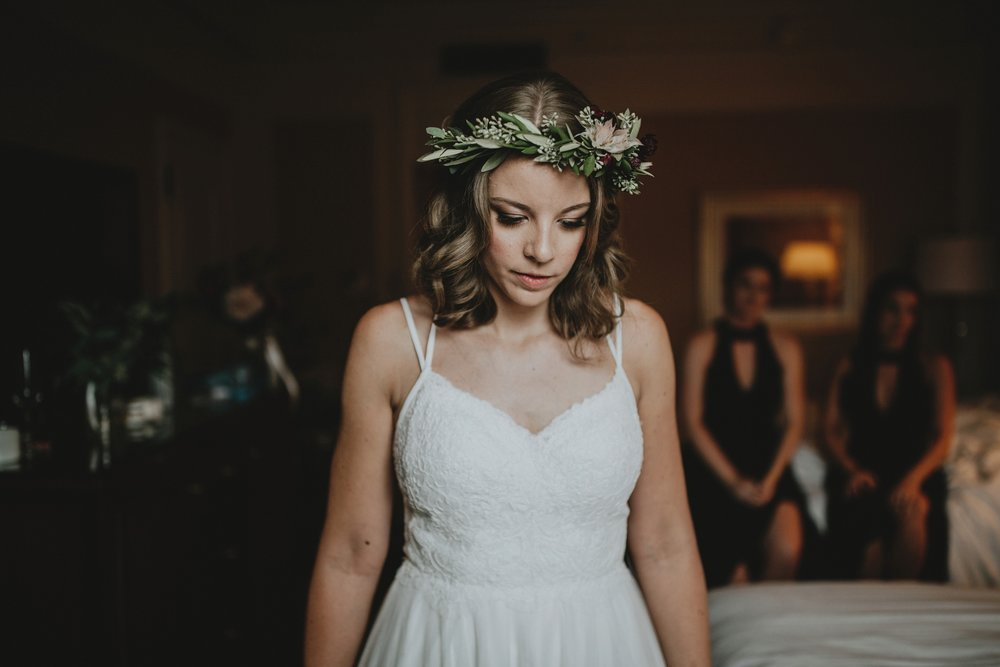 danaea_li_photography_Kaitlyn_Tom_Gastown_Wedding_0009.jpg