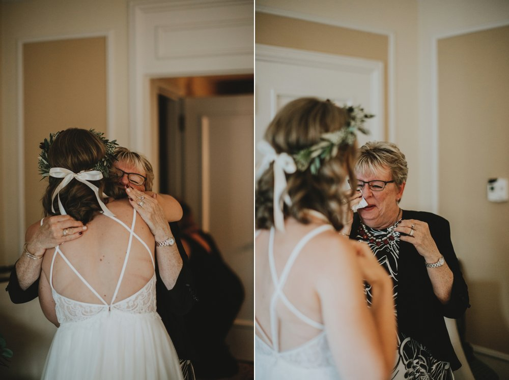 danaea_li_photography_Kaitlyn_Tom_Gastown_Wedding_0010.jpg