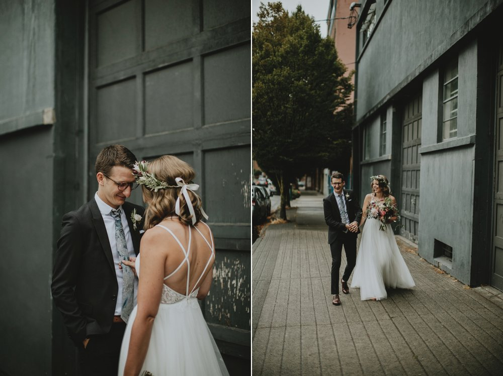 danaea_li_photography_Kaitlyn_Tom_Gastown_Wedding_0032.jpg