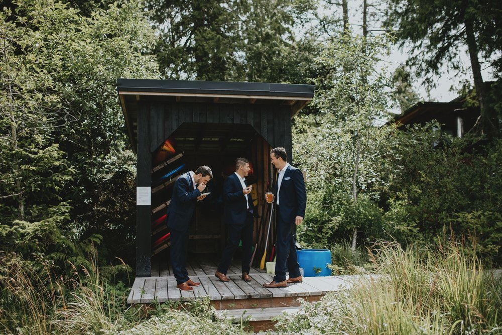 danaea_li_photography_tofino_wedding_2017_0023.jpg