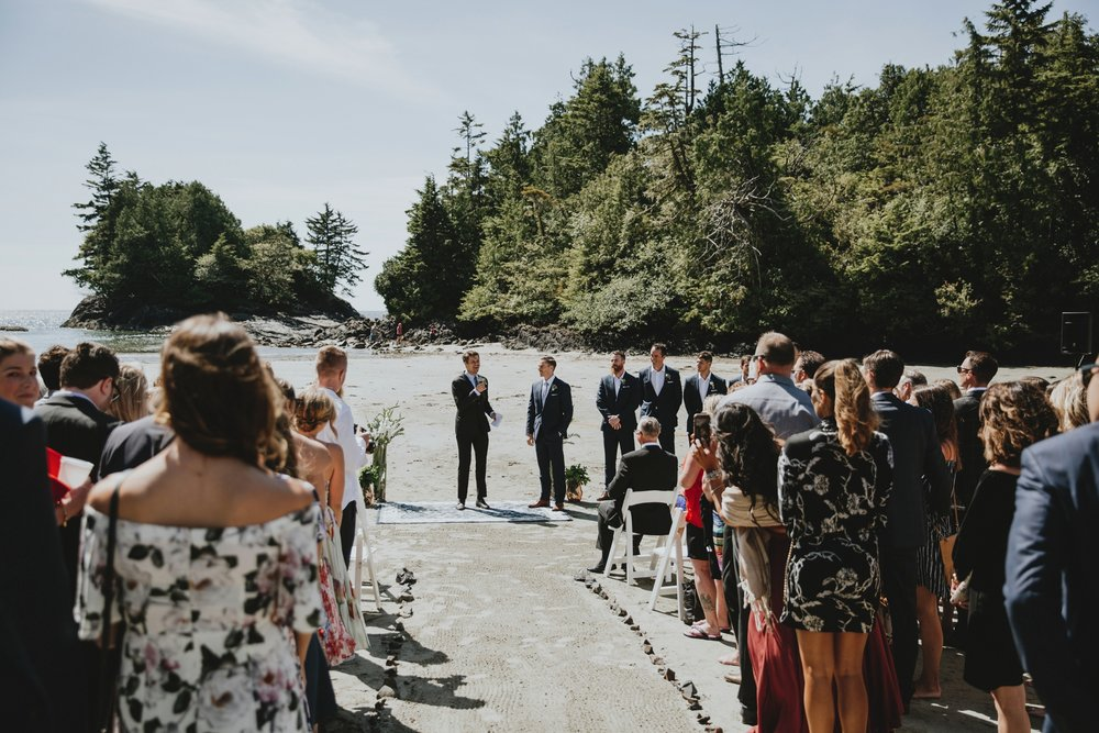 danaea_li_photography_tofino_wedding_2017_0067.jpg