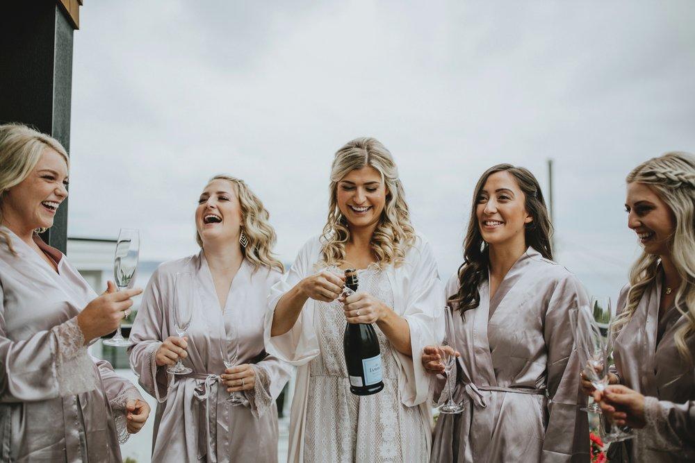 danaea_li_photography_Tyler-Melissa-Vancouver-Wedding_0005.jpg