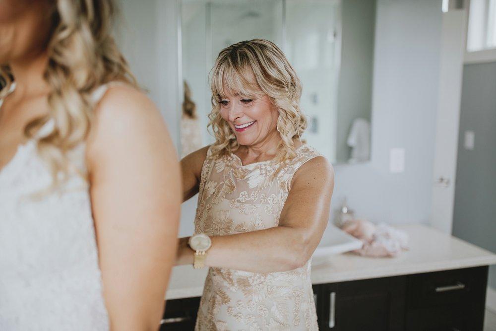 danaea_li_photography_Tyler-Melissa-Vancouver-Wedding_0011.jpg