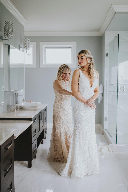 danaea_li_photography_Tyler-Melissa-Vancouver-Wedding_0010.jpg