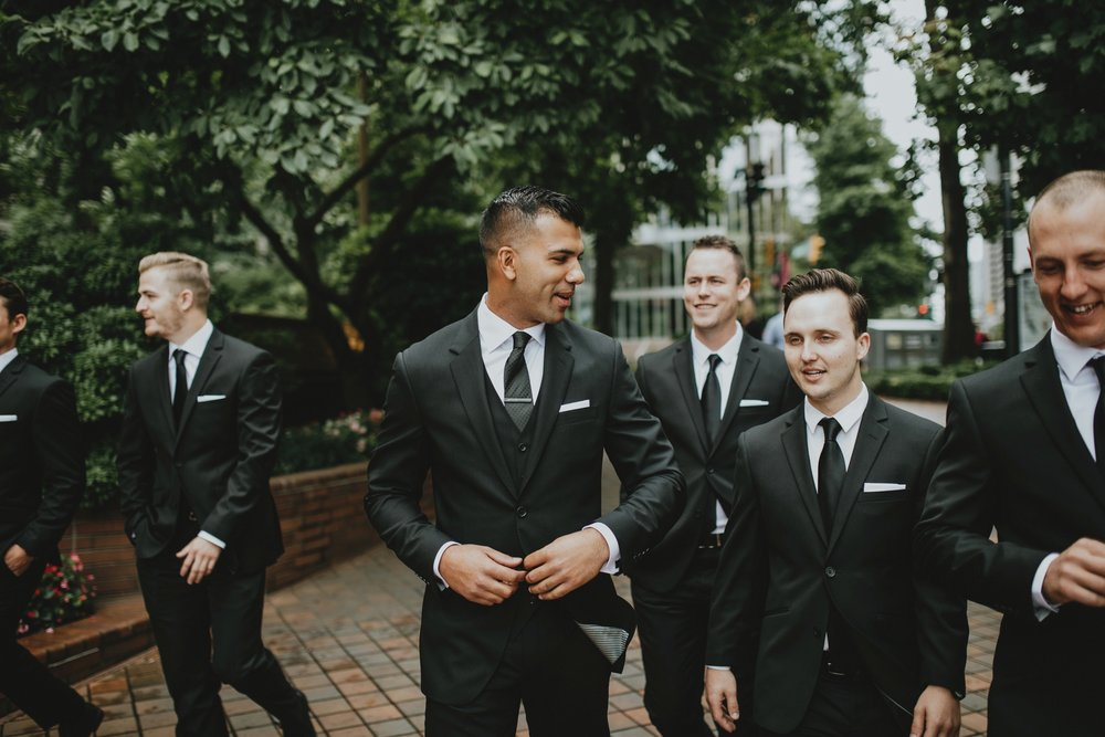 danaea_li_photography_Tyler-Melissa-Vancouver-Wedding_0026.jpg