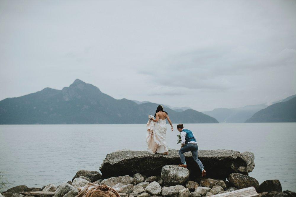 danaea_li_photography_Denise_Callum_Squamish_Furry_Creek_Wedding_0057.jpg