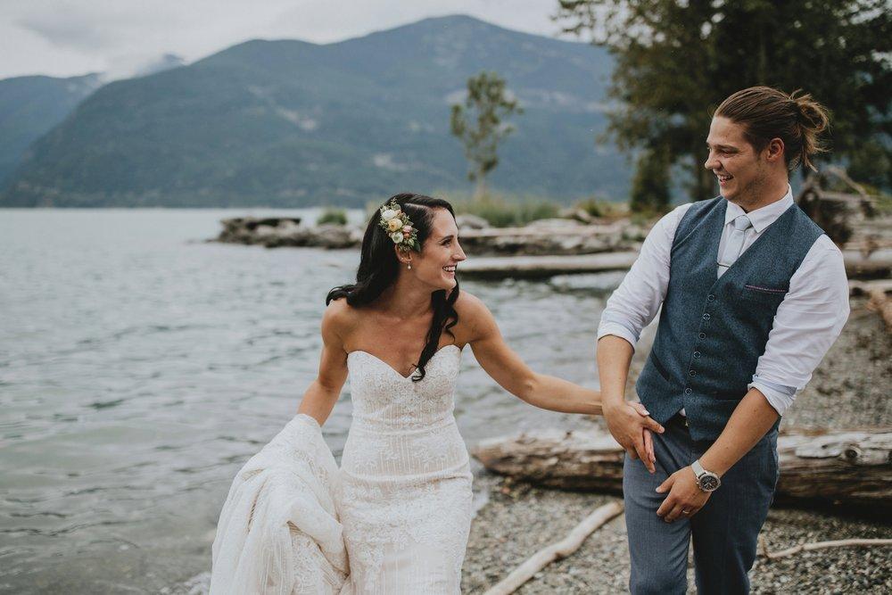 danaea_li_photography_Denise_Callum_Squamish_Furry_Creek_Wedding_0067.jpg