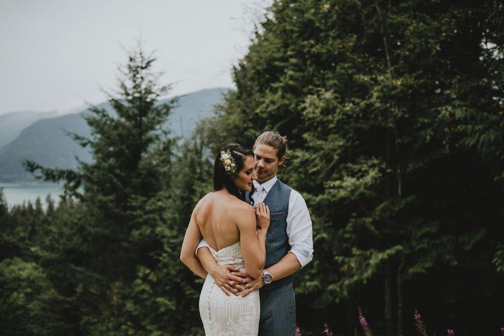 danaea_li_photography_Denise_Callum_Squamish_Furry_Creek_Wedding_0074.jpg