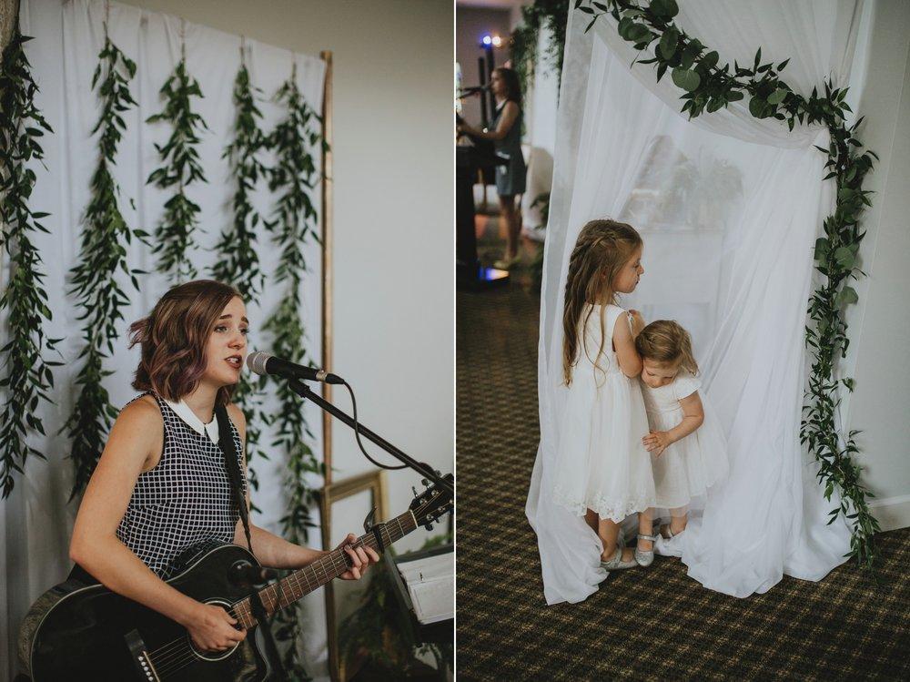 danaea_li_photography_Denise_Callum_Squamish_Furry_Creek_Wedding_0077.jpg