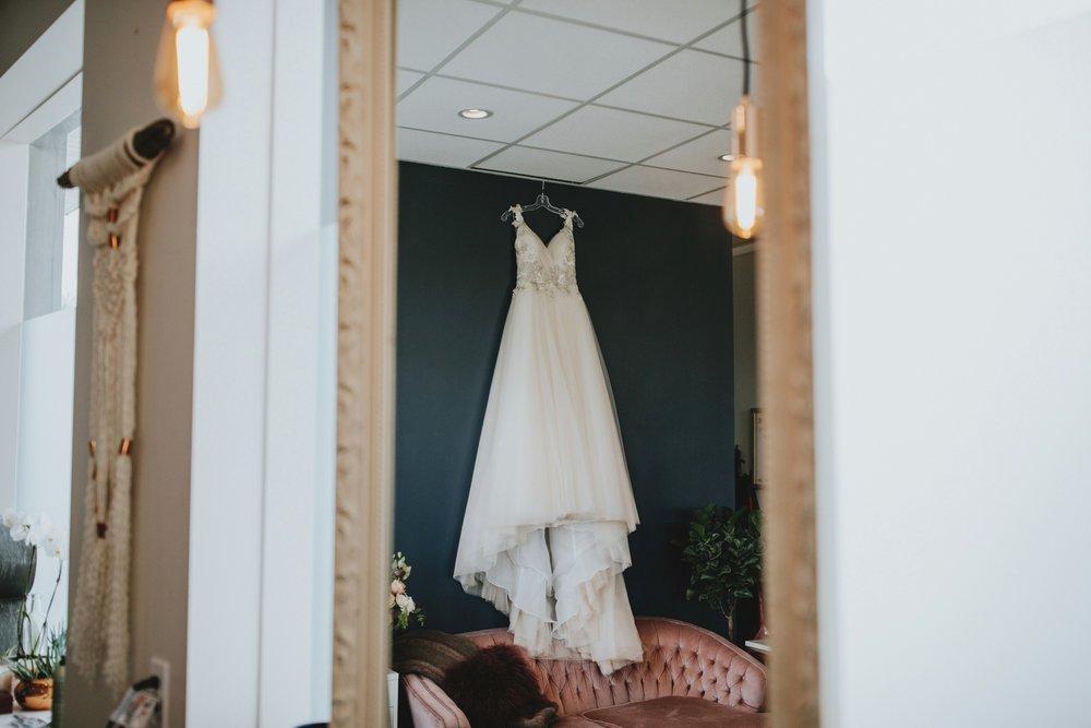 danaea_li_photography_Stephanie_Jon_Fraser_River_Lodge_Wedding_0003.jpg