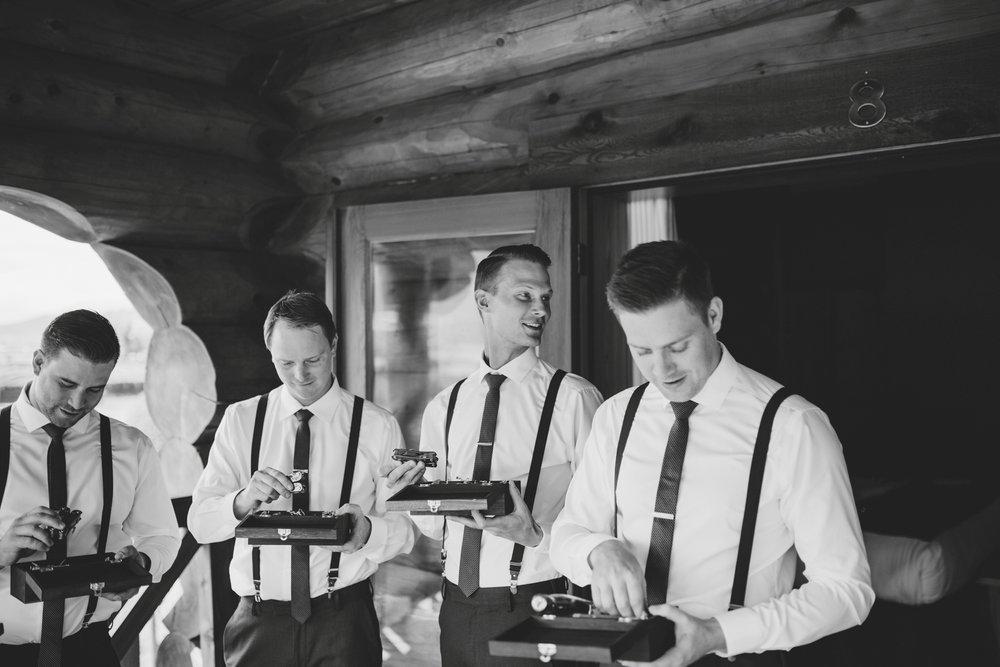 danaea_li_photography_Stephanie_Jon_Fraser_River_Lodge_Wedding_0023.jpg