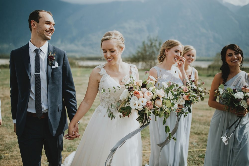 danaea_li_photography_Stephanie_Jon_Fraser_River_Lodge_Wedding_0031.jpg