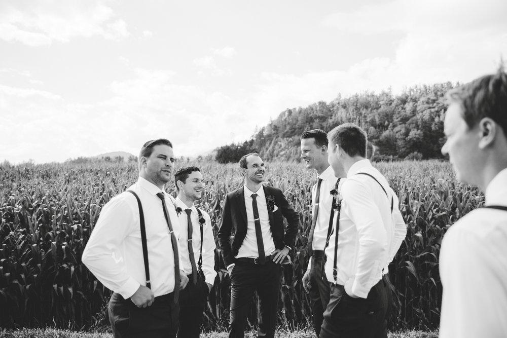danaea_li_photography_Stephanie_Jon_Fraser_River_Lodge_Wedding_0040.jpg