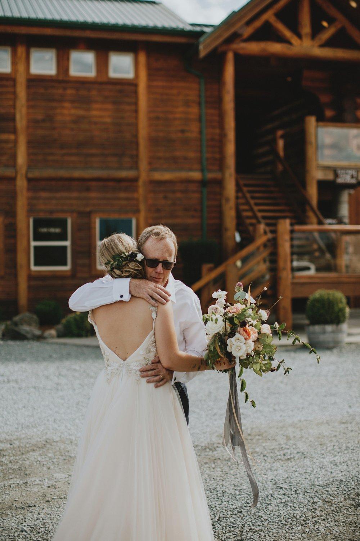 danaea_li_photography_Stephanie_Jon_Fraser_River_Lodge_Wedding_0041.jpg