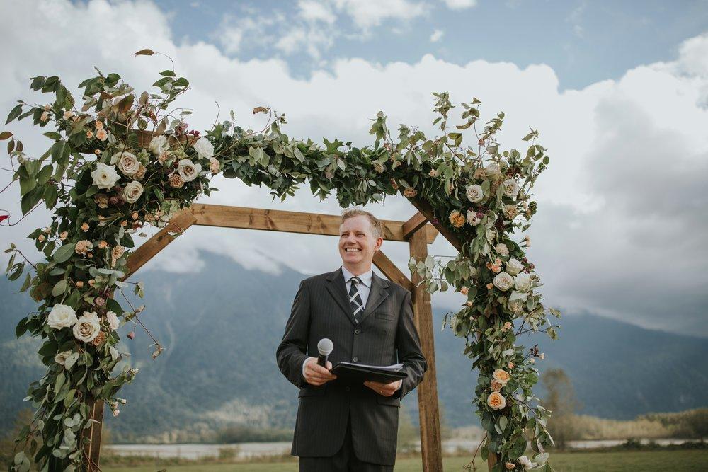danaea_li_photography_Stephanie_Jon_Fraser_River_Lodge_Wedding_0043.jpg