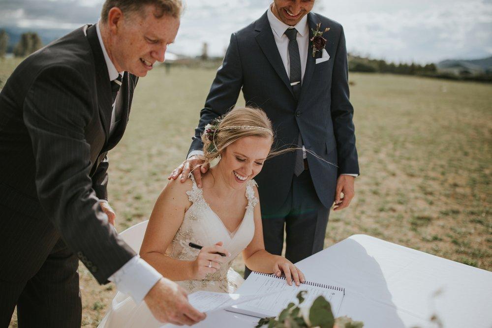 danaea_li_photography_Stephanie_Jon_Fraser_River_Lodge_Wedding_0054.jpg