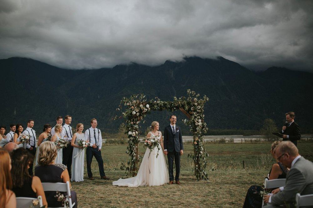 danaea_li_photography_Stephanie_Jon_Fraser_River_Lodge_Wedding_0055.jpg