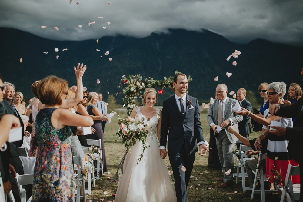 danaea_li_photography_Stephanie_Jon_Fraser_River_Lodge_Wedding_0056.jpg